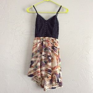 Tops - Love fire blue and floral top. Small